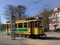 historische Straßenbahn an der Haltestelle Ströbitzer Weg